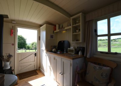 exmoor-shepherd-hut-glamping-2